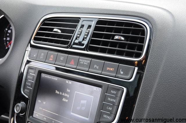 La tecla Sport convierte al Volkswagen en casi un kart de circuito
