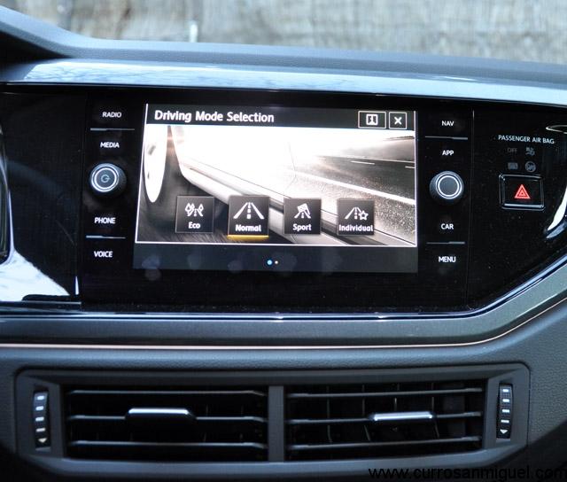 Los modos de conducción varían la respuesta del acelerador, el tacto de la dirección y el mapa del cambio automático