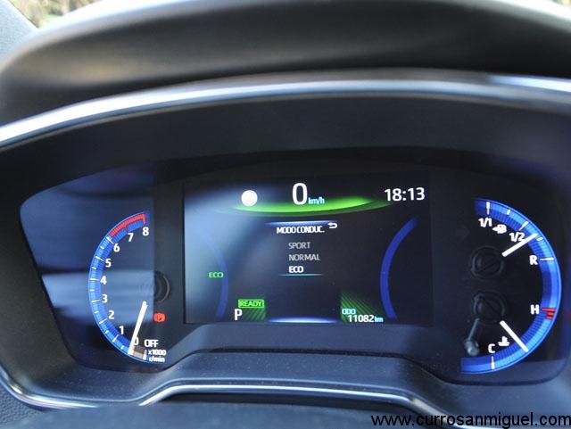 Sólo hay tres modos de conducción disponibles siendo el Normal el más recomendable. Como suele pasar en la mayoría de coches...