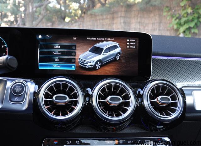 Varios son los modos disponibles, y en esta versión 4x4, hay uno específico para salir del asfalto.
