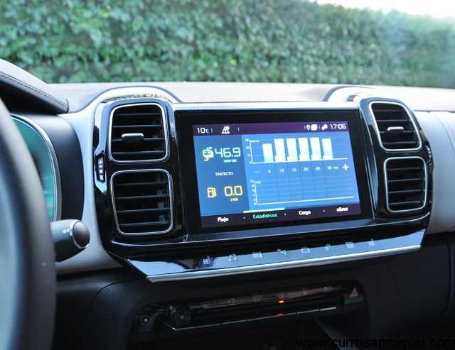 En la pantalla específica podemos ver la estadísticas de consumo, el diagrama del sistema o activar el ësave para salvar batería.