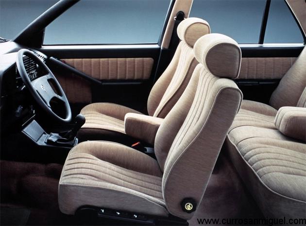 El interior del Thema estaba muy bien resuelto, con buenos asientos y espacio para cinco personas y su equipaje.
