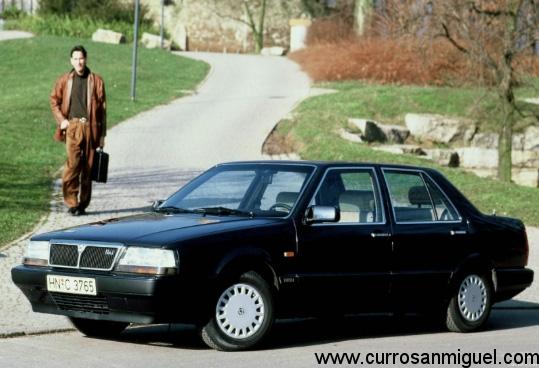 En la segunda generación se afilaron los rasgos, se mejoraron los motores y se dio un toque más lujoso al interior.