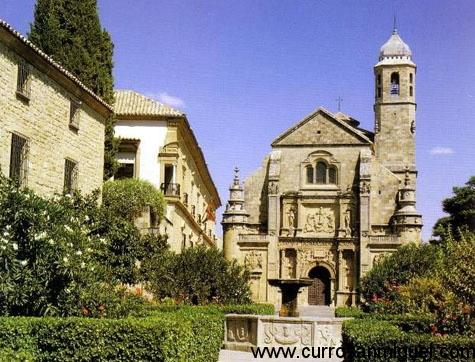 La Sacra Capilla de El Salvador preside una bella plaza renacentista en Úbeda