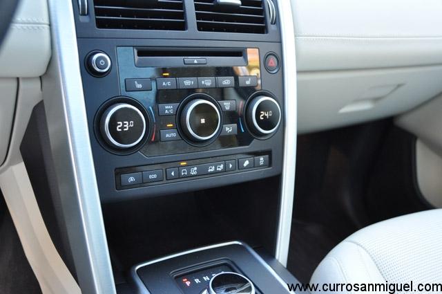 Y aquí está la botonera de dicho Terrain R. Es muy fácil e intuitivo de manejar, y marca la diferencia fuera del asfalto