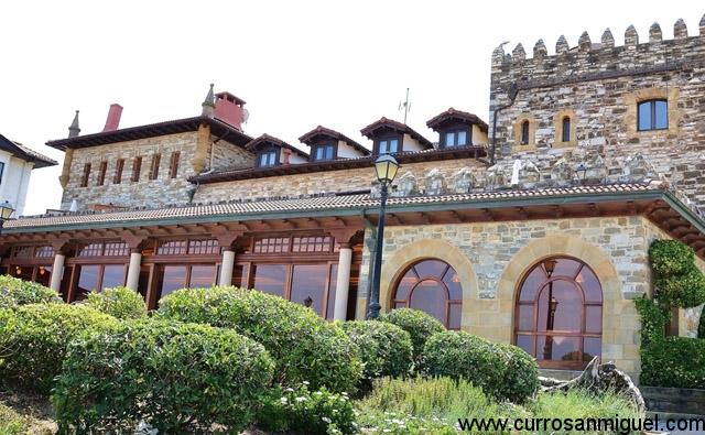 Hotel Restaurante de Karlos Arguiñano. No es ni mejor ni peor que el resto, pero ya es emblemático…