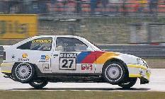 Gracias a su potente motor y su buen chasis el Kadett disfrutó de una laureada vida en competición