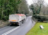 Este camión y su conductor están disfrutando de, según los expertos, la mejor carretera de Reino Unido