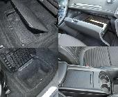 Abundancia de huecos, guanteras y cajones en un coche eminentemente familiar