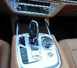 Junto al mando del cambio están los modos de conducción: Confort, Sport, ECO y Adaptative.