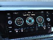 En el modo Eco la pantalla multimedia ofrece unas gráficas muy chulas para que midas tu eficiencia