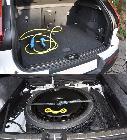 Como las baterías van en el túnel de transmisión, el hueco del maletero permanece inalterable. Incluso ofrece rueda de emergencia bajo su base.