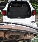 Con las siete plazas arriba el maletero se reduce a la mínima expresión, menos mal que la rueda de repuesto va colgada en los bajos...