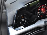 Estos dos botones referentes a la climatización tienen muy poco sentido en el mando de las luces.