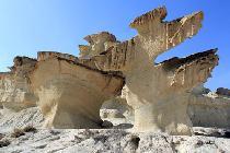 La erosión natural ha creado estas peculiares esculturas en la murciana Bolnuevo